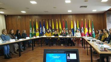 Programa de Educação Parental implementado, pela primeira vez, nos 19 Municípios da CIMRC.